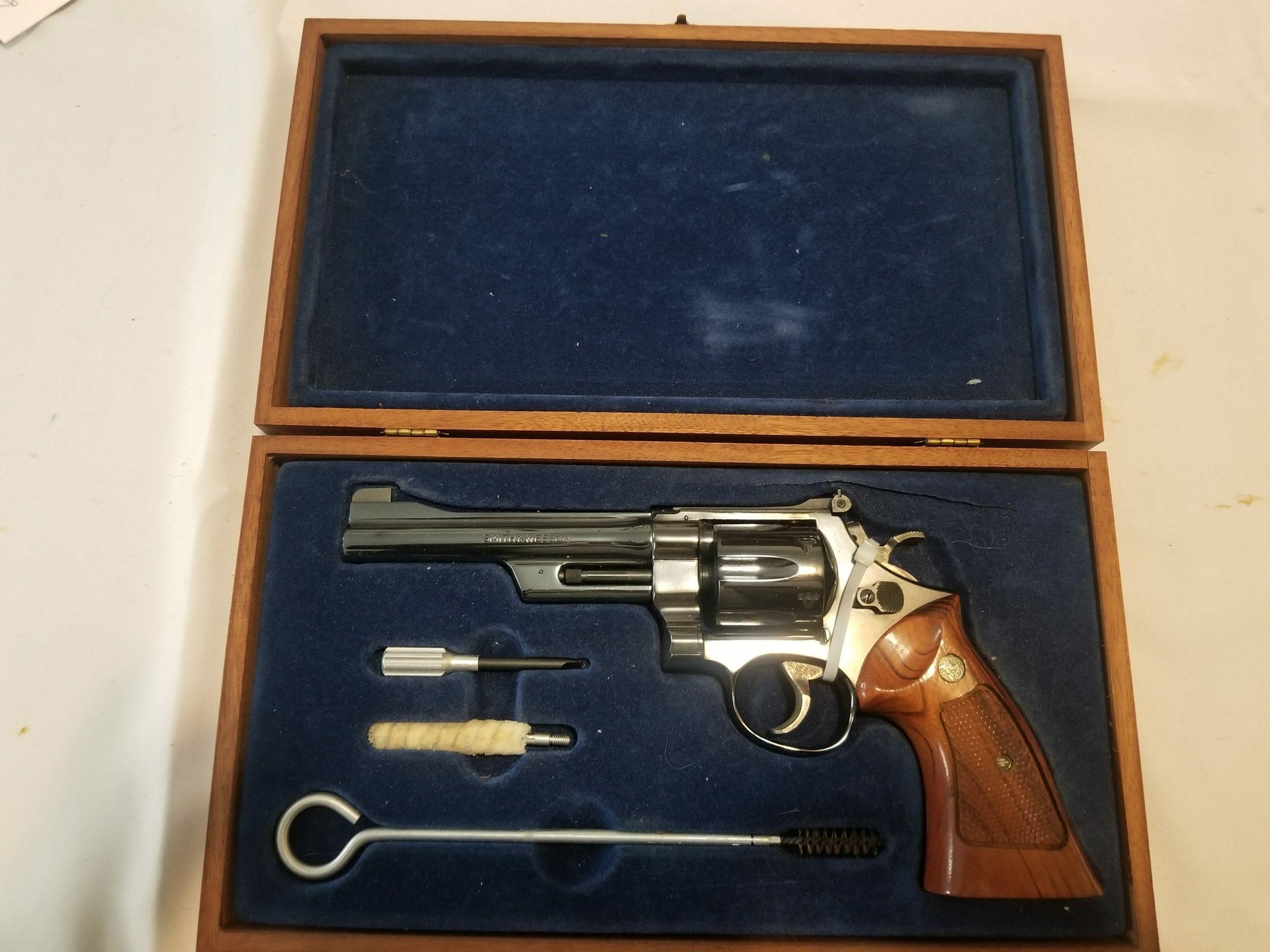 Smith & Wesson Model 27-2 .357 Magnum Revolver